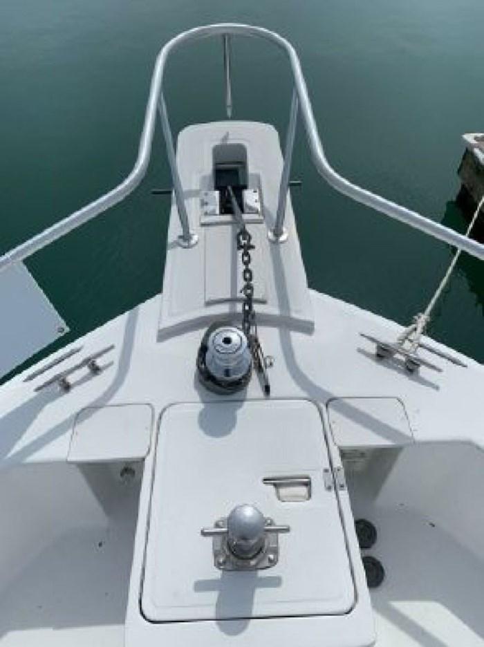 2000 Mainship 390 Trawler Photo 8 of 63