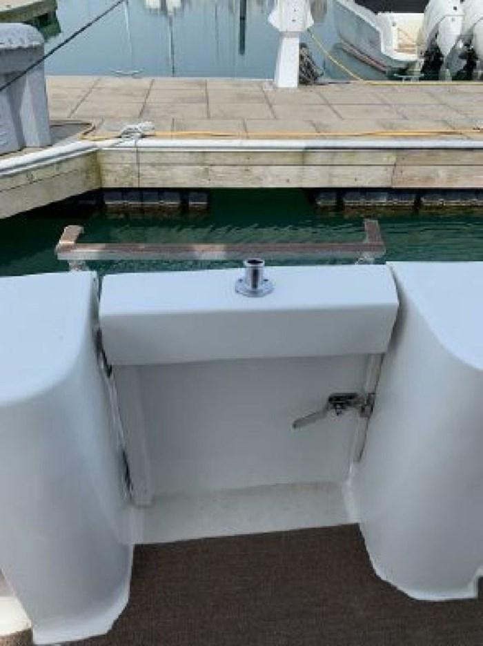 2000 Mainship 390 Trawler Photo 13 of 63