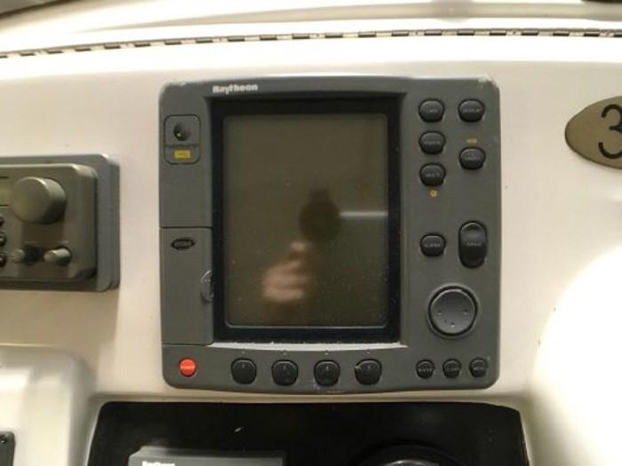 2000 Mainship 390 Trawler Photo 30 of 63