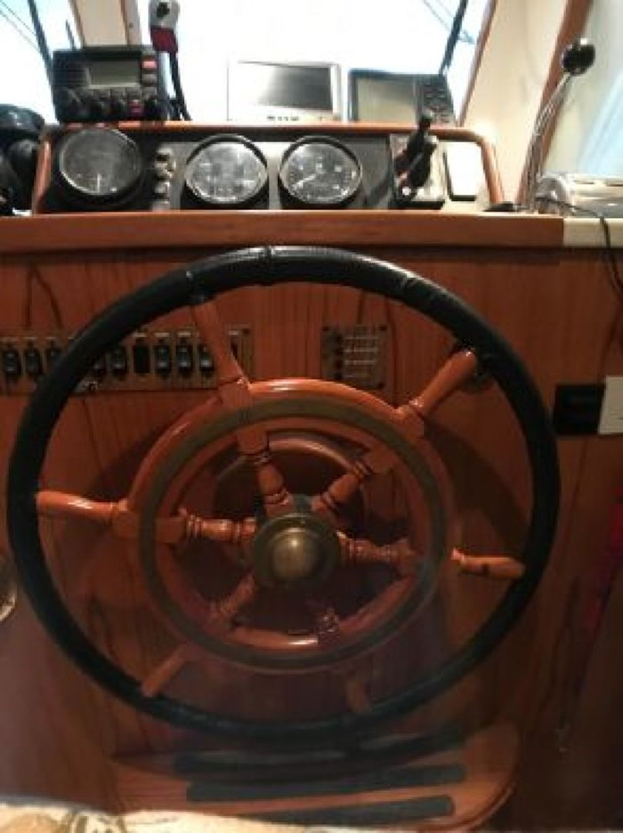 2000 Mainship 390 Trawler Photo 32 of 63