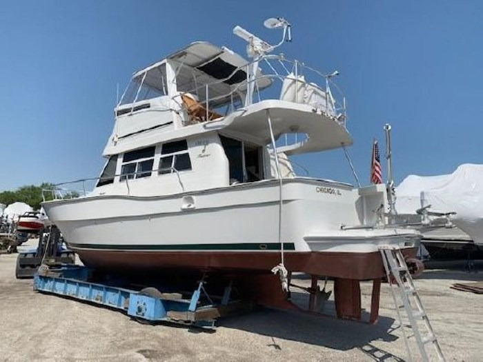 2000 Mainship 390 Trawler Photo 57 of 63