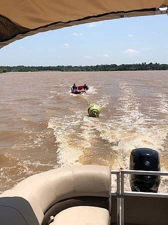 2019 Sun Tracker Party Barge 22 DLX Photo 10 sur 12