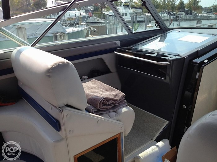 1989 Cruisers Yachts Esprit 3670 Photo 6 of 20