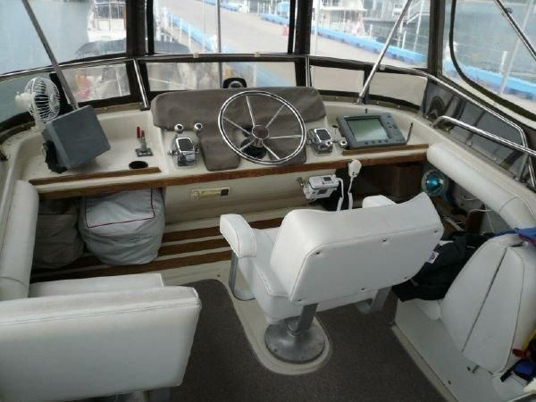 1988 Mainship 36 Double Cabin Photo 4 of 17