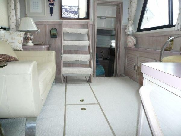 1988 Mainship 36 Double Cabin Photo 9 of 16