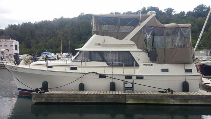 1988 Mainship 36 Double Cabin Photo 2 of 17