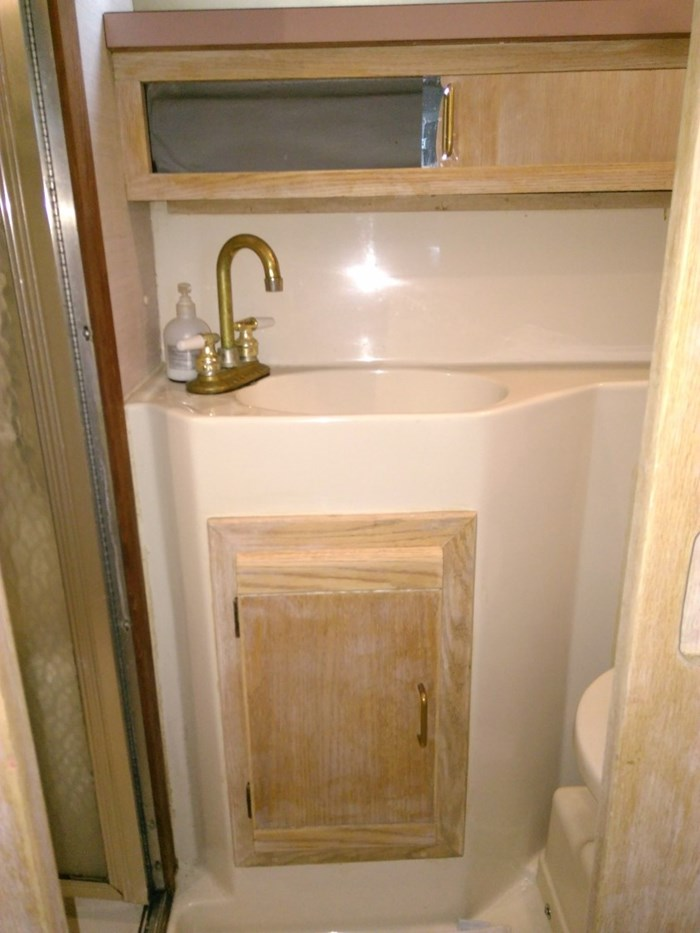 1988 Mainship 36 Double Cabin Photo 15 of 17