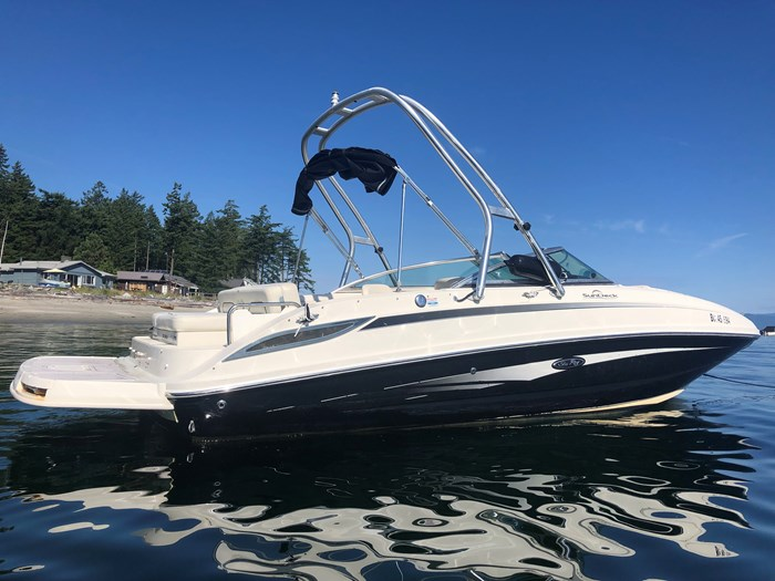 2008 Sea Ray 230 Sundeck® Photo 1 of 6