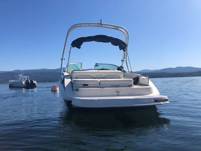 2008 Sea Ray 230 Sundeck® Photo 3 of 6