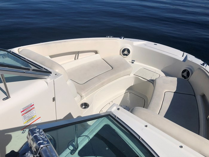 2008 Sea Ray 230 Sundeck® Photo 5 of 6