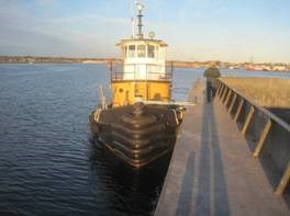 1954 Ex US Army Harbor Tug - NEW PRICE! Photo 3 sur 19