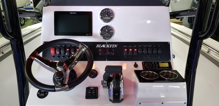 2020 Blackfin 212CC Center Console Photo 15 sur 27