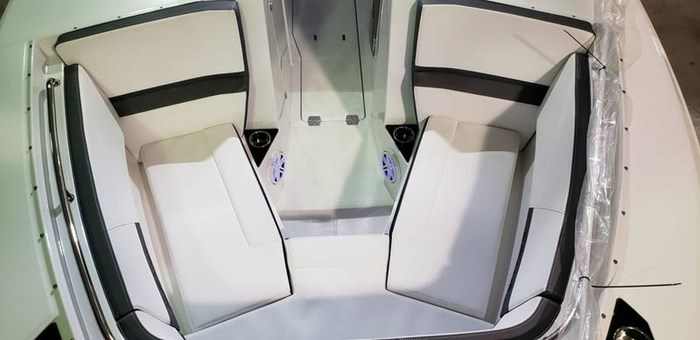 2020 Blackfin 272DC Dual Console Photo 24 of 26