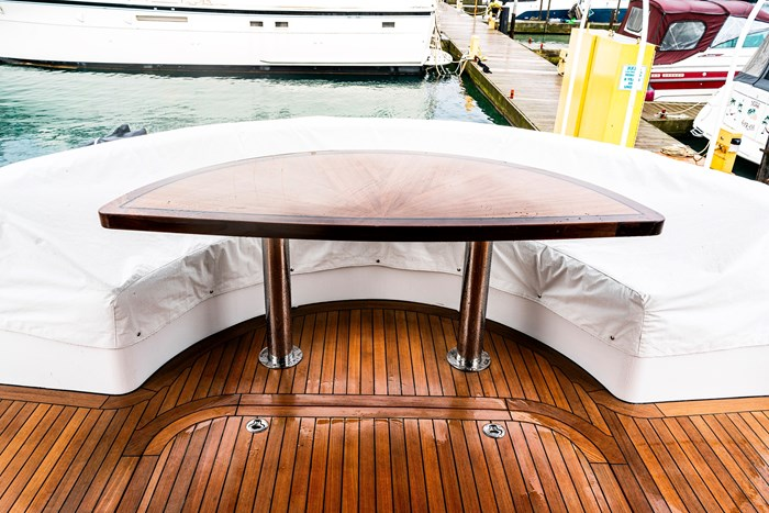 2011 Hattaras 60 MOTORYACHT Photo 7 of 9