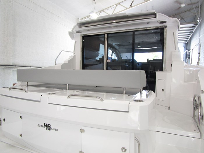 2020 CRUISERS YACHTS 46 CANTIUS Photo 10 of 11