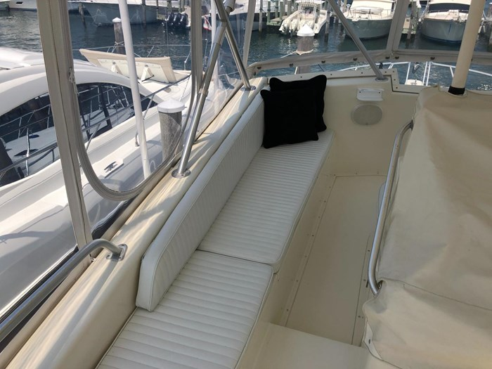 1991 Viking Yachts 50 Convertible Photo 17 of 38