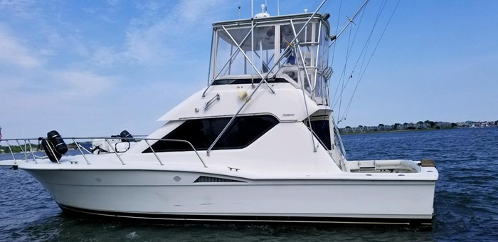 1996 Hatteras 39 Convertible Photo 1 of 37