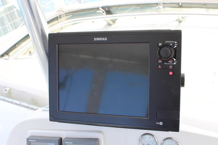1996 Hatteras 39 Convertible Photo 27 of 37