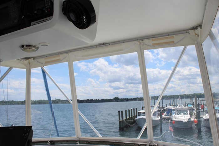 1996 Hatteras 39 Convertible Photo 31 of 37