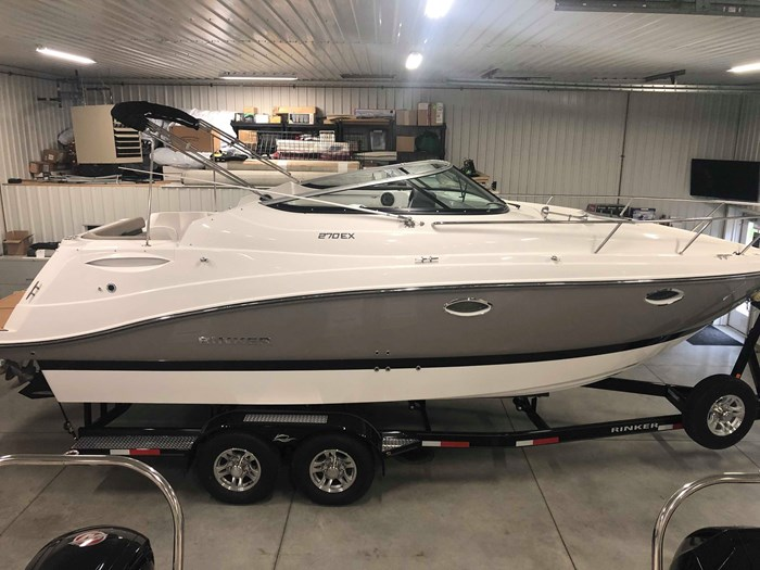 2020 Rinker 270 EX Photo 1 of 10