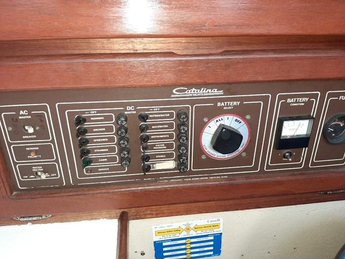 1982 Catalina sloop Photo 12 of 17