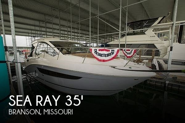 2017 Sea Ray 350 Sundancer Coupe Photo 1 of 21