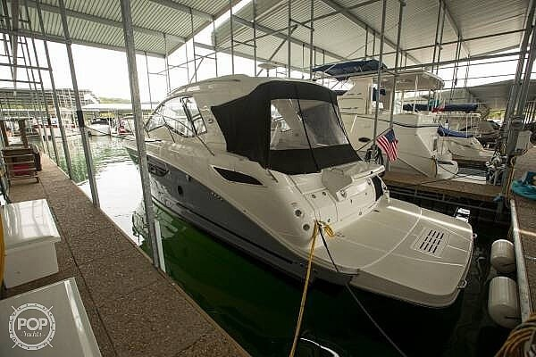 2017 Sea Ray 350 Sundancer Coupe Photo 18 of 21