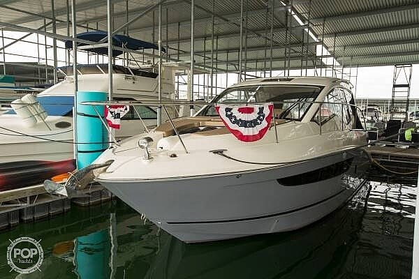 2017 Sea Ray 350 Sundancer Coupe Photo 21 of 21