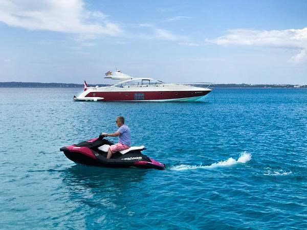 2005 Azimut 68S Photo 3 of 31