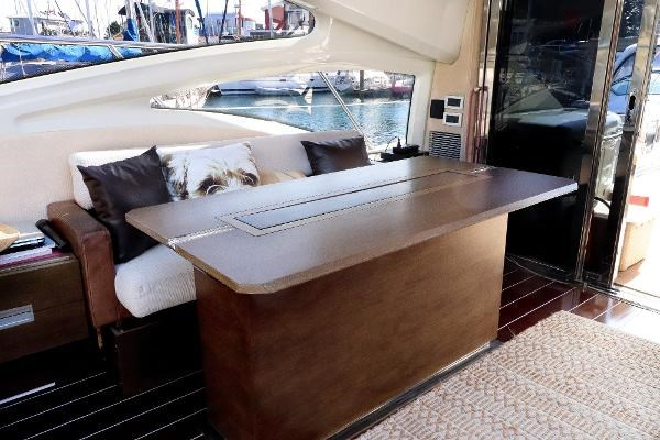 2005 Azimut 68S Photo 7 of 31