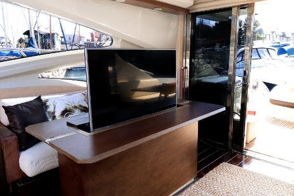 2005 Azimut 68S Photo 8 of 31