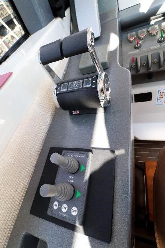2005 Azimut 68S Photo 22 of 31