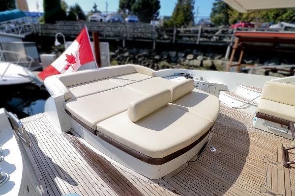 2005 Azimut 68S Photo 24 of 31