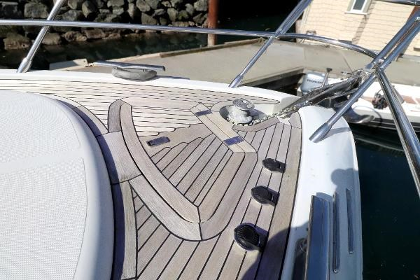 2005 Azimut 68S Photo 25 of 31