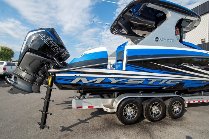2020 Mystic Powerboats M3800 Photo 18 of 20