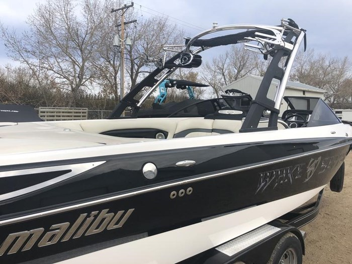 2011 Malibu Wakesetter 23 LSV Photo 2 of 19