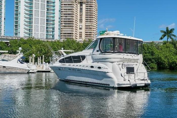 2006 Sea Ray 40 Motor Yacht Photo 3 of 43