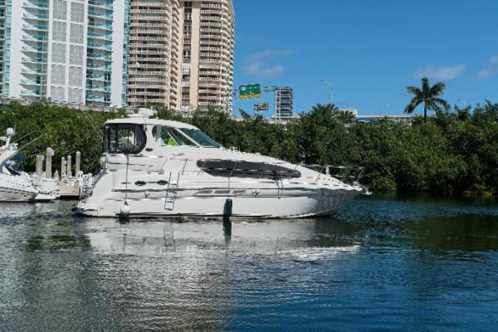 2006 Sea Ray 40 Motor Yacht Photo 6 of 43