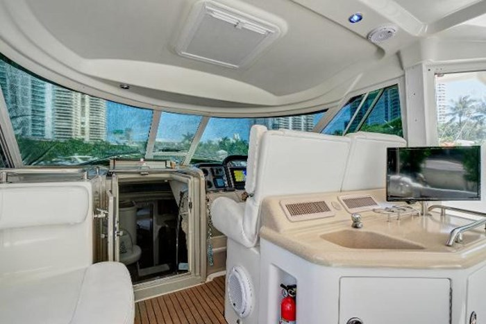 2006 Sea Ray 40 Motor Yacht Photo 18 of 43
