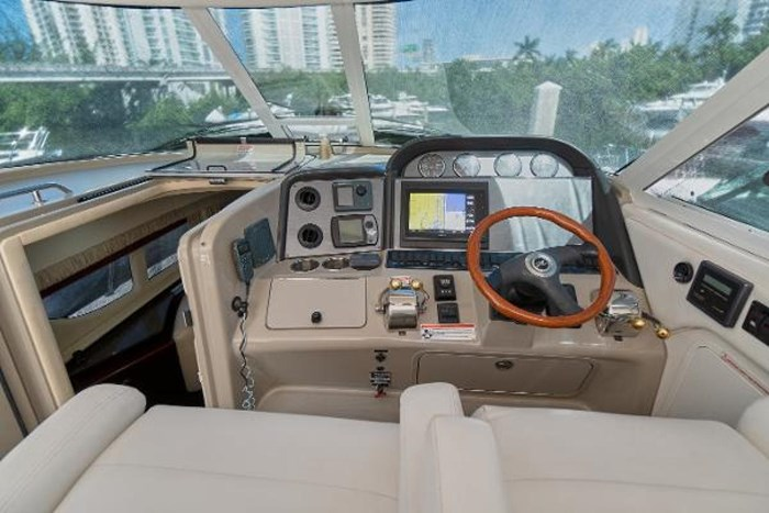 2006 Sea Ray 40 Motor Yacht Photo 21 of 43