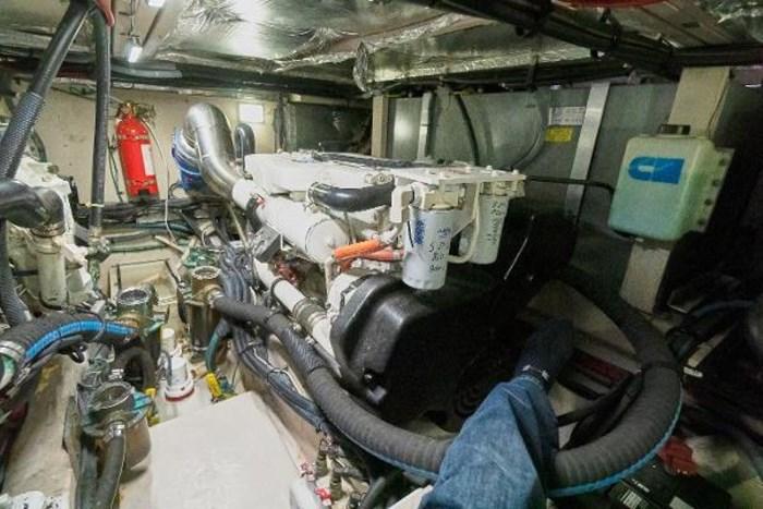 2006 Sea Ray 40 Motor Yacht Photo 39 of 43