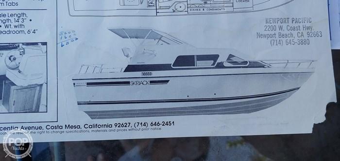 1983 Skipjack 25 Cabin Cruiser Photo 13 of 20