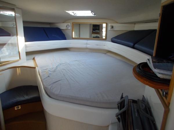 1995 Sea Ray 37 Express Cruiser Photo 9 sur 22
