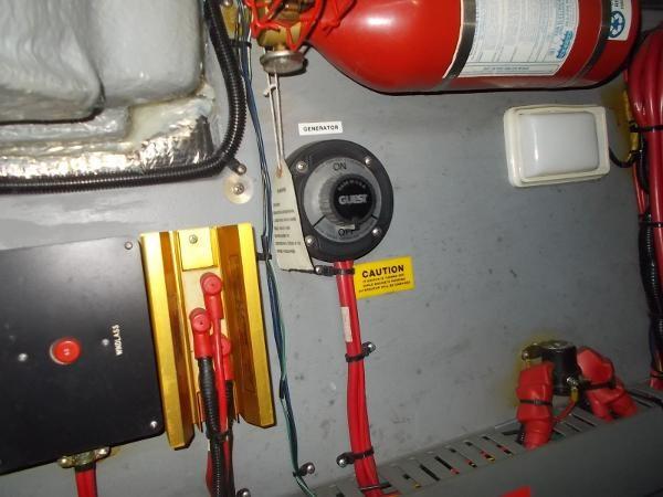 1995 Sea Ray 37 Express Cruiser Photo 16 sur 22