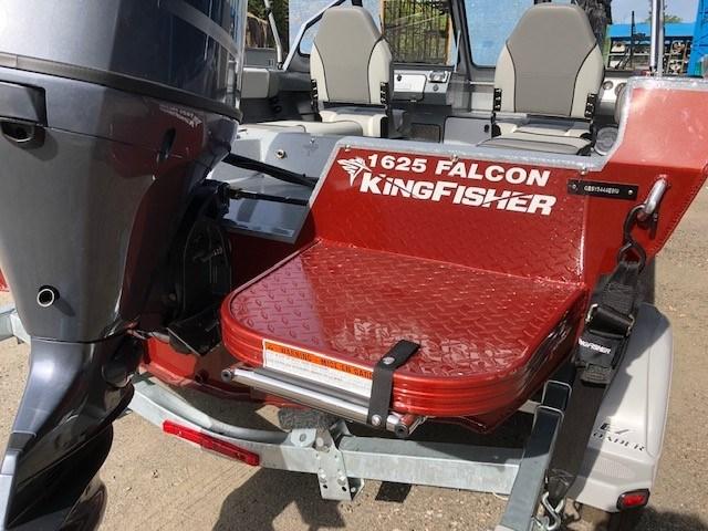 2019 KingFisher 1625 Falcon w/ Yamaha 90 & EZ Loader Trailer Photo 6 of 7
