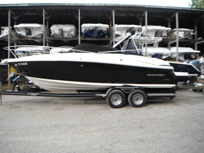 2010 Monterey 254 FSX Cuddy Photo 5 of 32