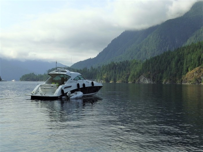 2012 Sea Ray 540 Sundancer Photo 2 sur 26