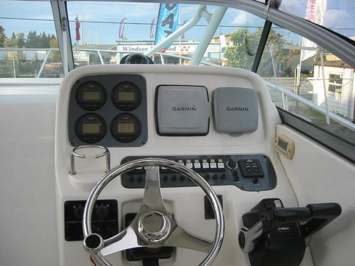 2006 Robalo R245 HT Photo 5 of 13