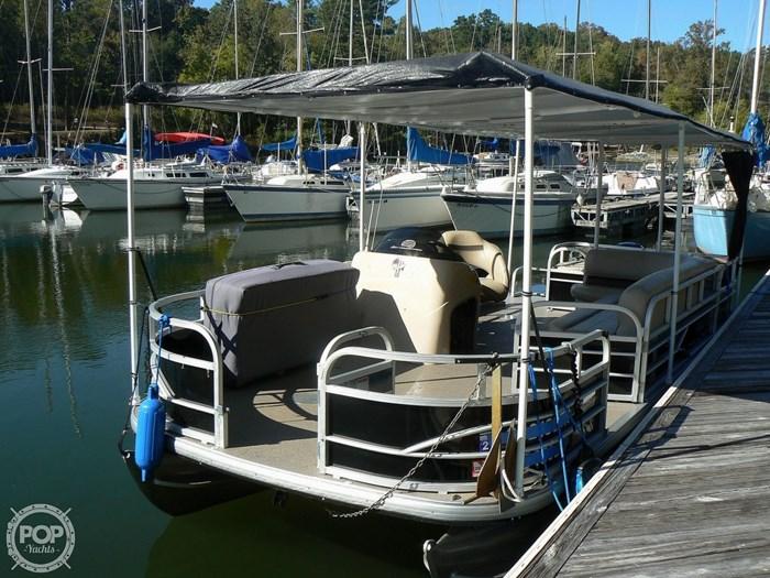 2017 Tracker 20 Fishin Barge 211 Photo 6 sur 20