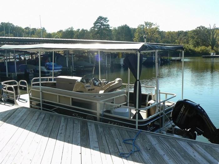 2017 Tracker 20 Fishin Barge 211 Photo 9 sur 20